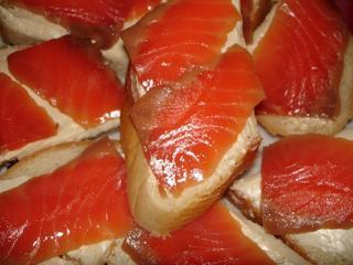 Бутерброд с красной рыбой