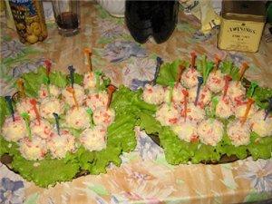 Закусочные шарики из крабовых палочек