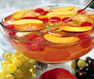 Яблочно-персиковый крюшон