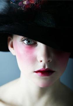 Кому нужна фарфоровая кукла? или Почему пренебрегают красавицами