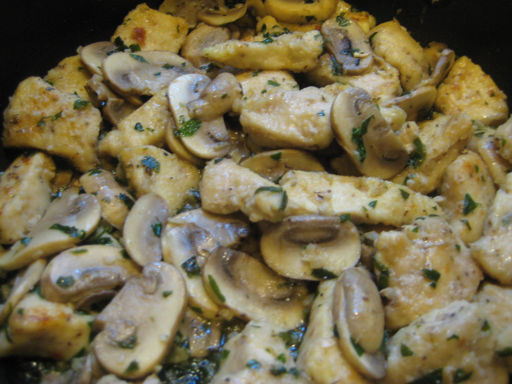 Самый вкусный грибной рецепт: как пожарить белые грибы в сметане - фото №1