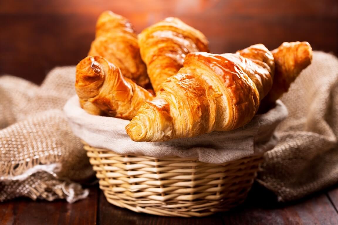 Рецепт французских домашних круассанов: выпечка, которая поднимет вам настроение - фото №2
