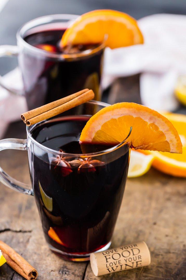 Рецепт классического глинтвейна с апельсином и корицей: какие специи добавляют в этот напиток - фото №2