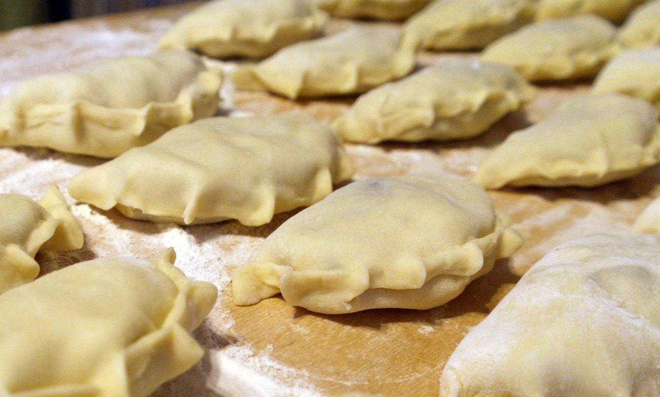 Звездный рецепт от Эктора Хименеса-Браво: вареники с мясом, картофелем и грибами - фото №2