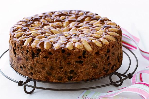 Как приготовить знаменитый рождественский пирог: рецепт праздничной выпечки с цукатами - фото №1
