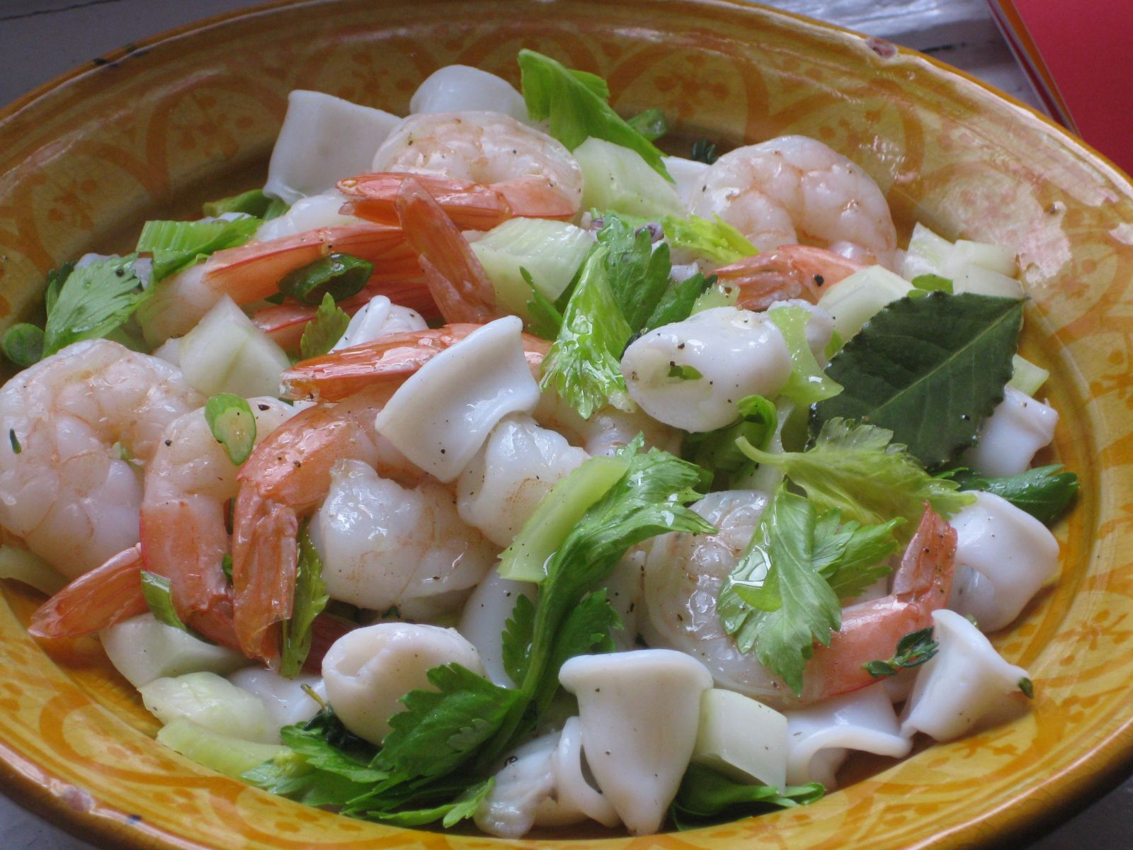 Салат с крабовыми палочками: топ 5 вариантов - фото №1