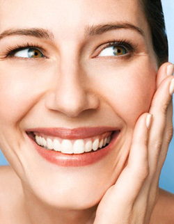 Как правильно наносить макияж при проблемной коже?