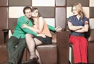 Жена унижает любовницу мужа смотреть онлайн фото 700-420