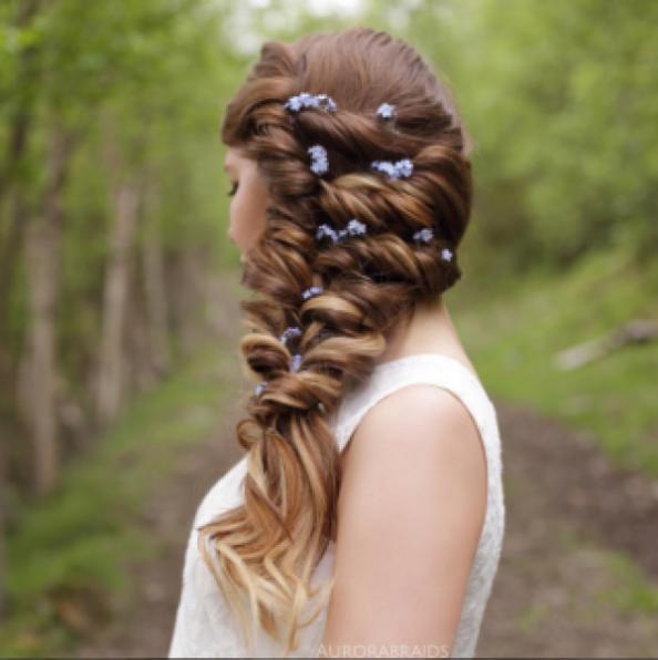 Эти девчонки знают, как заплести самые красивые косы: история двух сестер и их волшебного insta-аккаунта