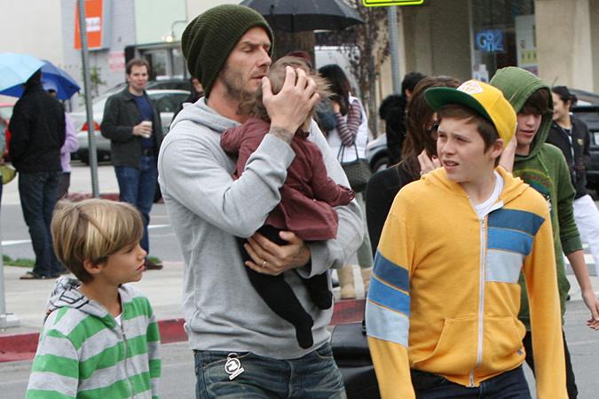 Бекхэм с детьми