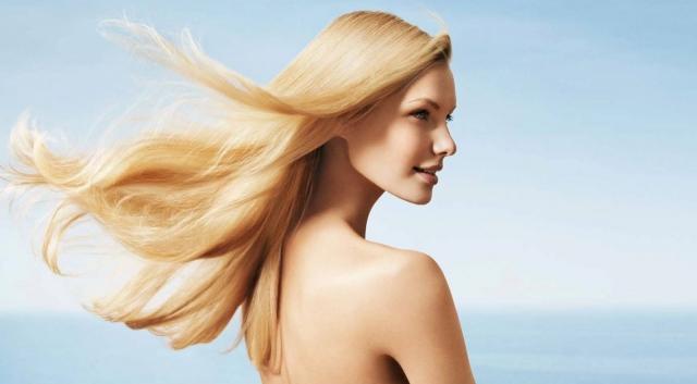 В какие дни августа лучше красить волосы