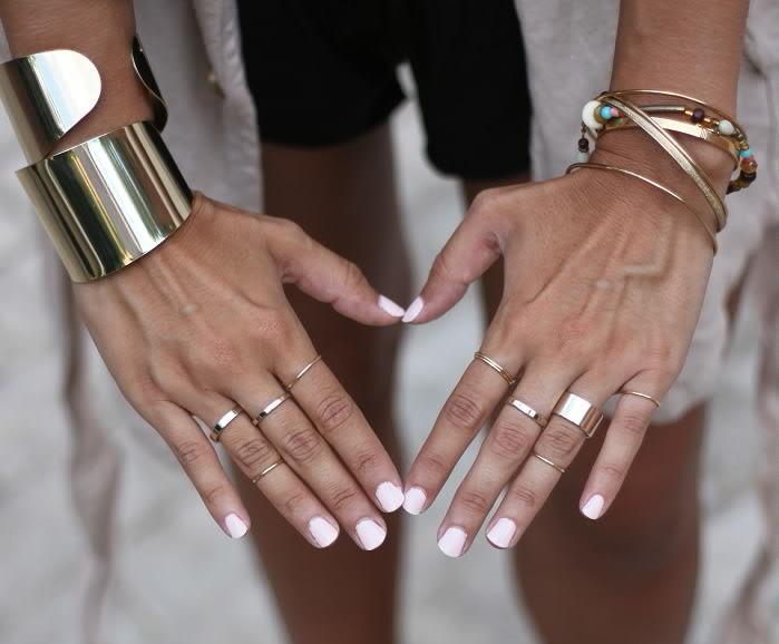 Можно ли носить золотой браслет и серебряное кольцо