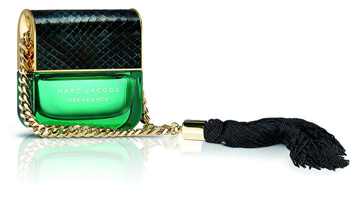 Сексуальная Адриана Лима рекламирует новый аромат Marc Jacobs