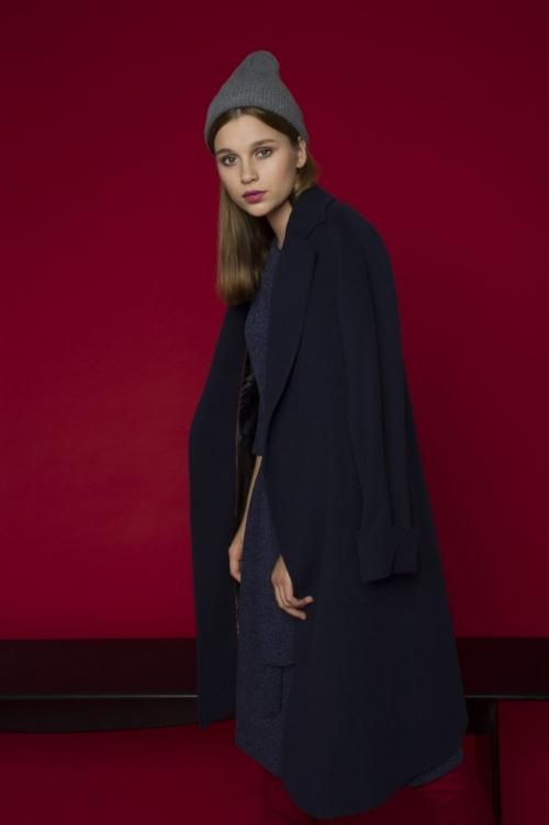 пальто темное