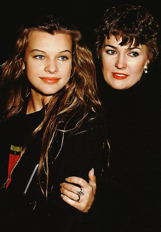 Йовович с мамой