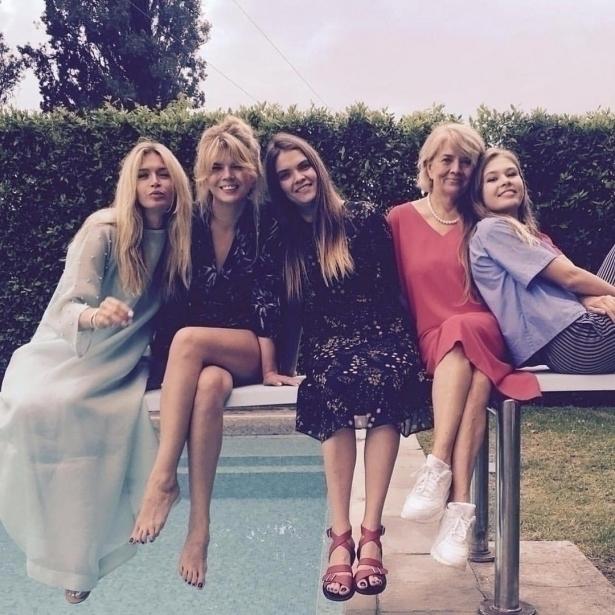брежнева с мамой и сестрами