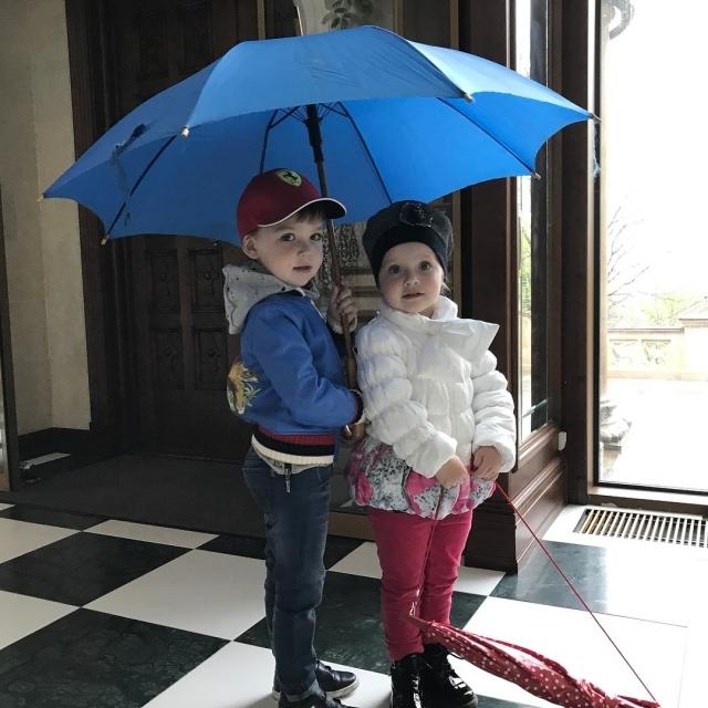 Трехлетняя дочь Максима Галкина растрогала соцсети своим капризом на камеру (ВИДЕО)