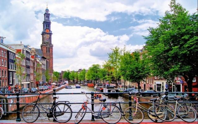 Как добраться из аэропорта в Амстердам