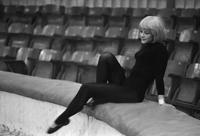 Наталья Варлей в молодости на арене цырка