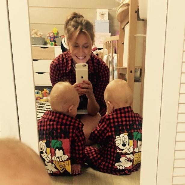 Елена Краветц с детьми