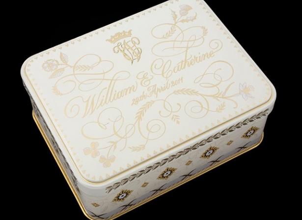 Объедки сосвадебных столов британской королевской семьи выставят нааукционе