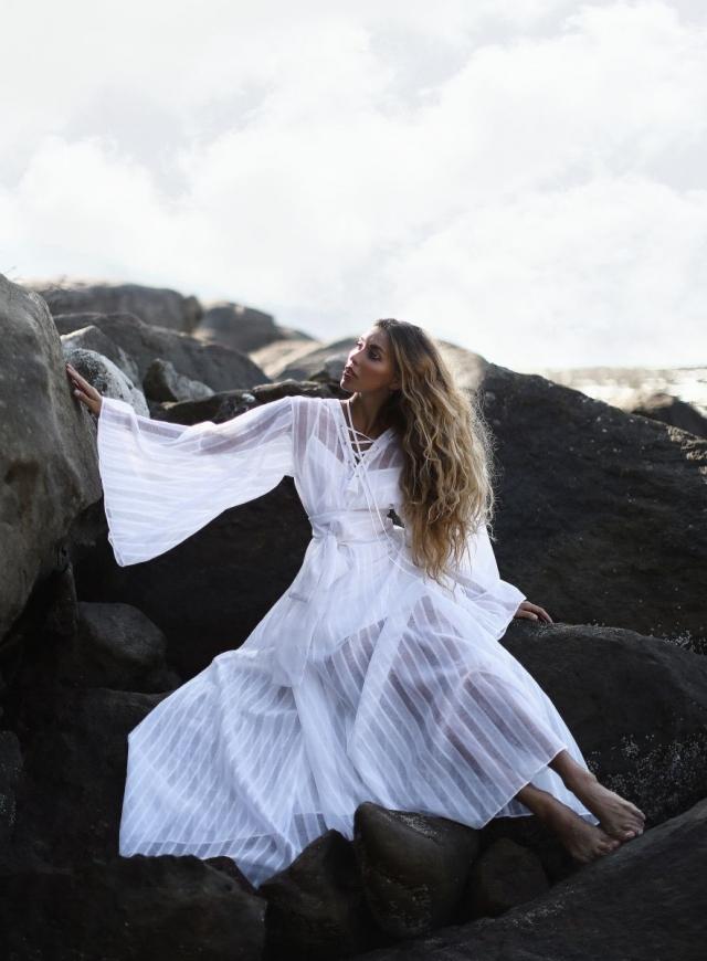 Орел и решка белое платье