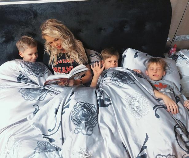 Мама троих детей рассказала, что сейчас намного больше довольна своей фигурой, нежели в 17 лет