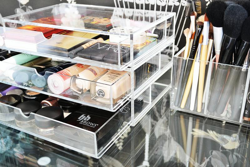 Пластиковые органайзер для косметики