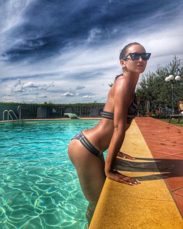 Ольга Бузова on Instagram Пока украдиБузову уже
