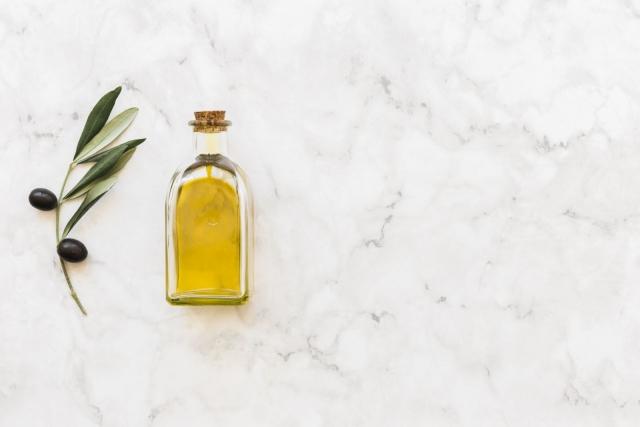 Как применять льняное масло: способы использования для красоты лица, волос и ногтей. Полезные свойства льняного масло