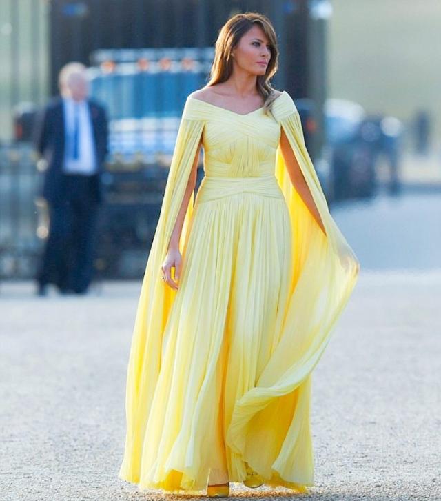 мелания трамп в желтом платье в Вудстоке