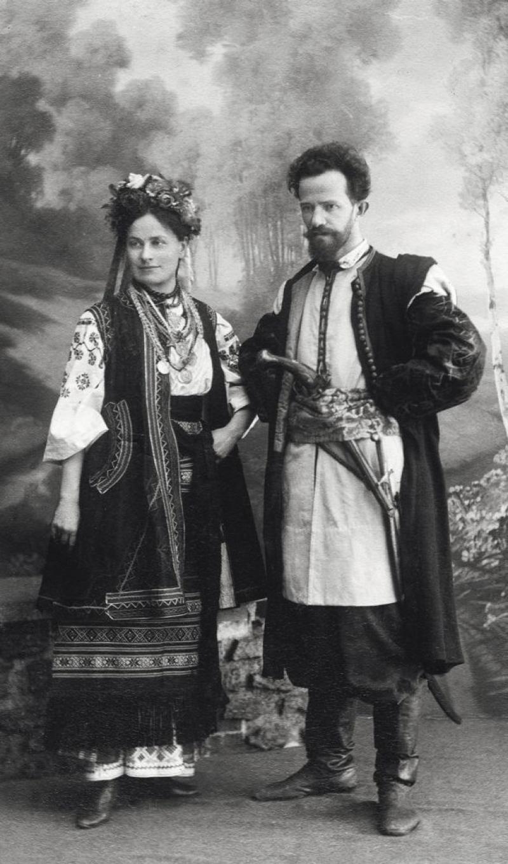 От бала до детского утренника: почему киевлянам больше не нужны новогодние маскарады
