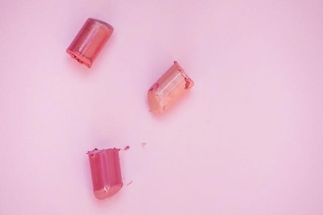 Какую помаду выбрать, чтобы зубы выглядели белее. Самые интересные оттенки помада. Как сделать зубы белее