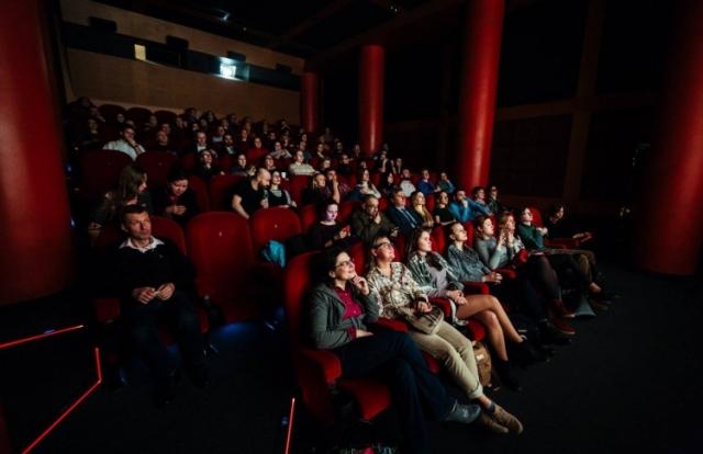 """Совсем скоро в кинотеатрах Украины стартует показ фестиваля триллеров """"Best Thriller Shorts"""". Какие фильмы будут представлены в программе, когда именно можно будет насладиться просмотром, а также другие детали уже на ХОЧУ!"""