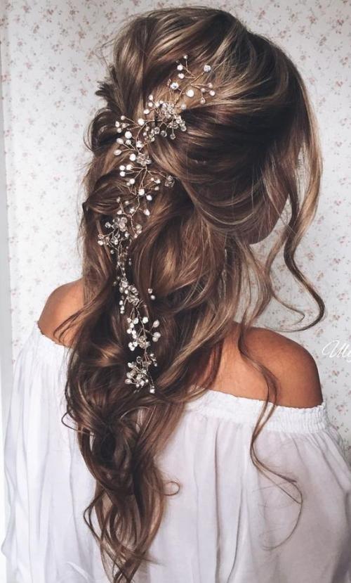 Какую прическу сделать на последний звонок: лучшие прически на длинные и средние волосы (ФОТО)