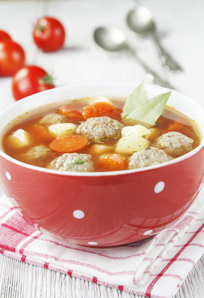 Суп с фрикадельками: диетический рецепт