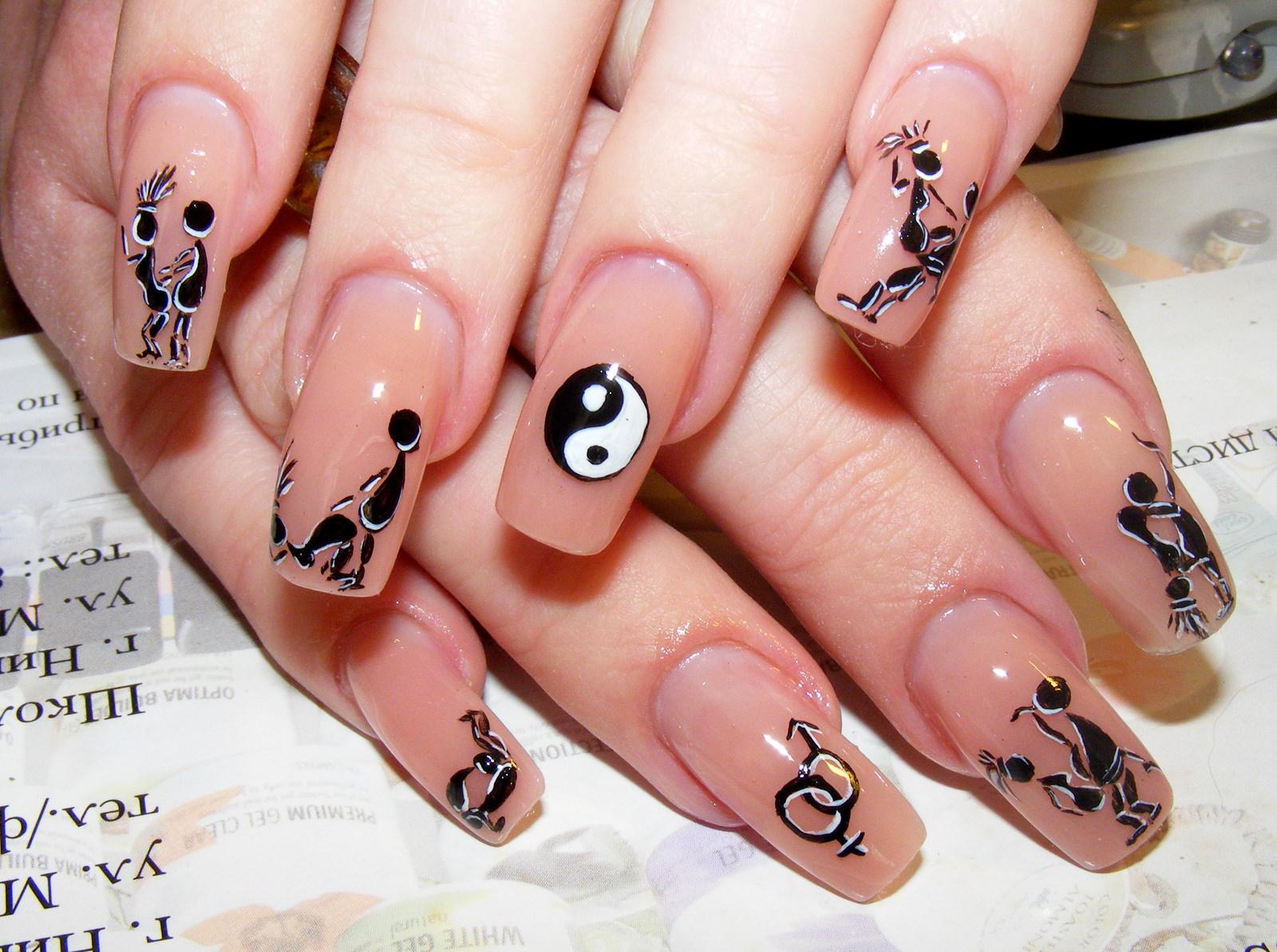Сексуальные рисунки на ногтях
