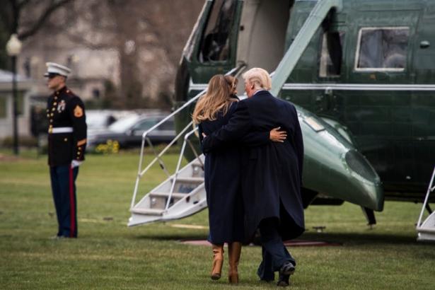 трамп спас жену от падения