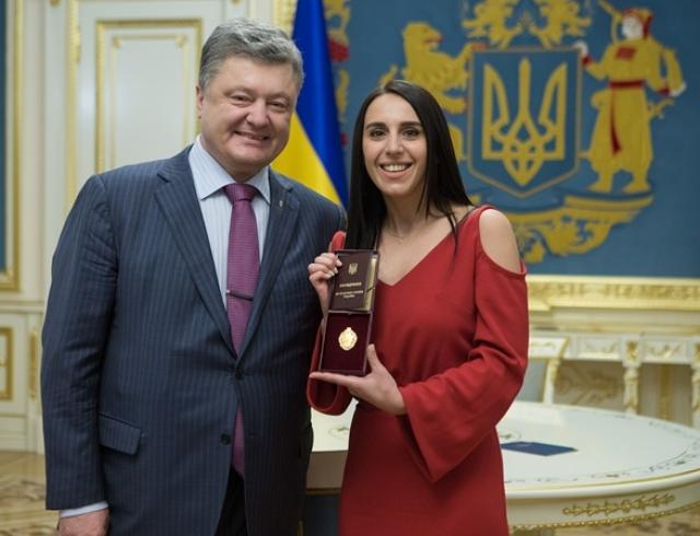 Джамала и Петр Порошенко фото