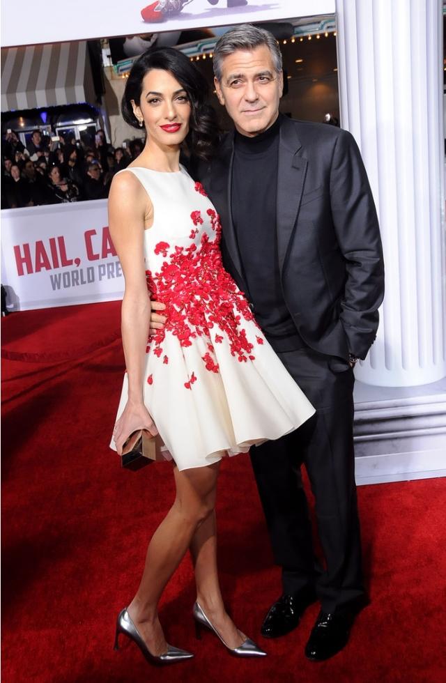 Ты еще штучка: лучшие выходы Амаль Аламуддин-Клуни