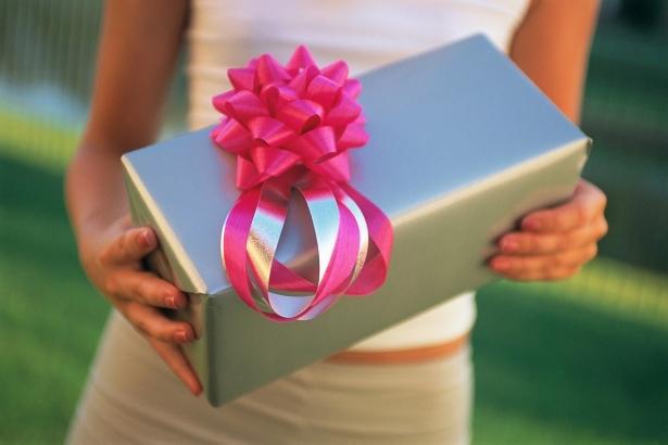 Приколы ныне подарки на 23 февраля коллегам