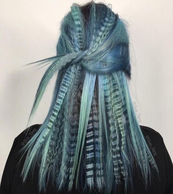 Гофрированные волосы снова на вершине модных тенденций?