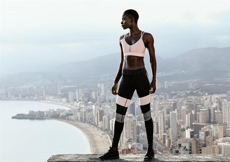 Спортивные девушки фото без одежды фото 670-565