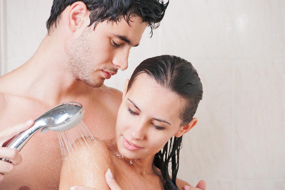 Пизда помогла парню помыться фильмы порно