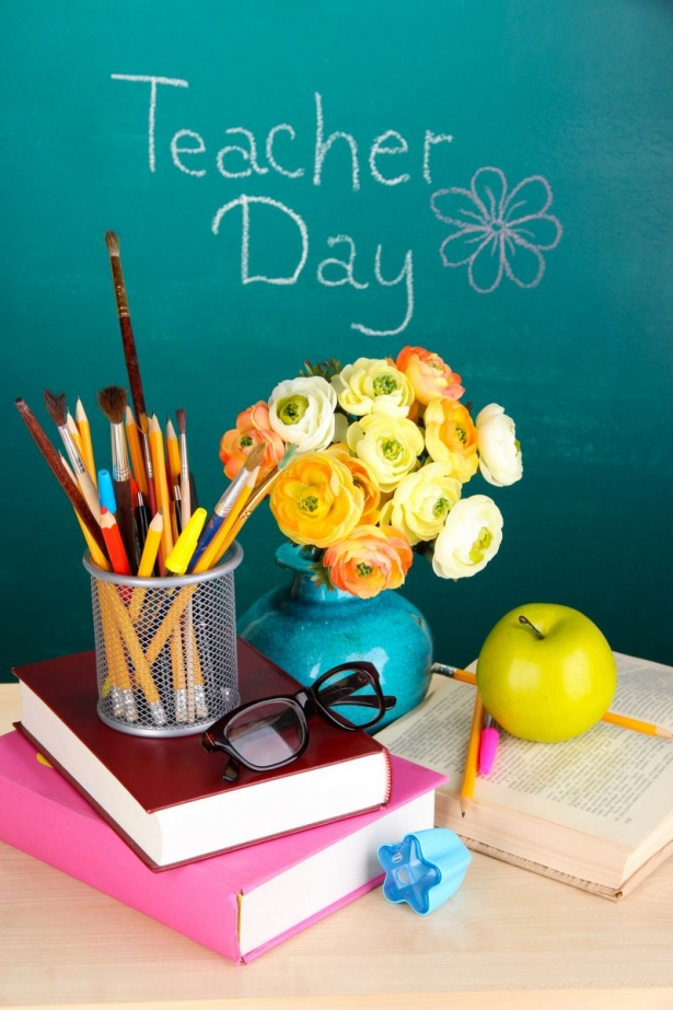 Секс в день учителя с учителем