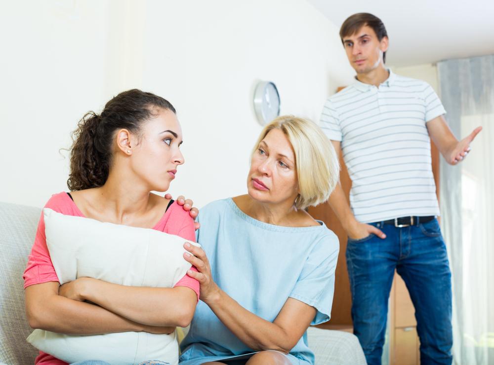рассказ про еблю с сынком и его друзьями