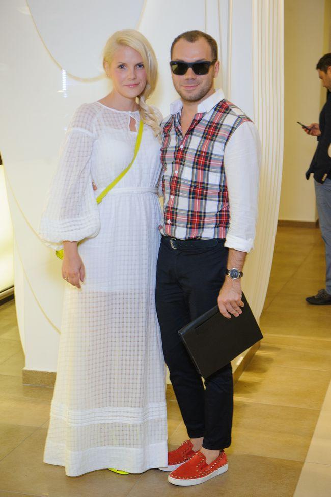 Тан с женой