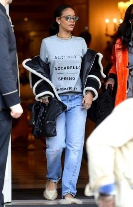Королева денима: Рианна показывает, как носить деним этим летом