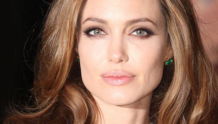 Анджелина Джоли снимет фильм о войне в Камбодже