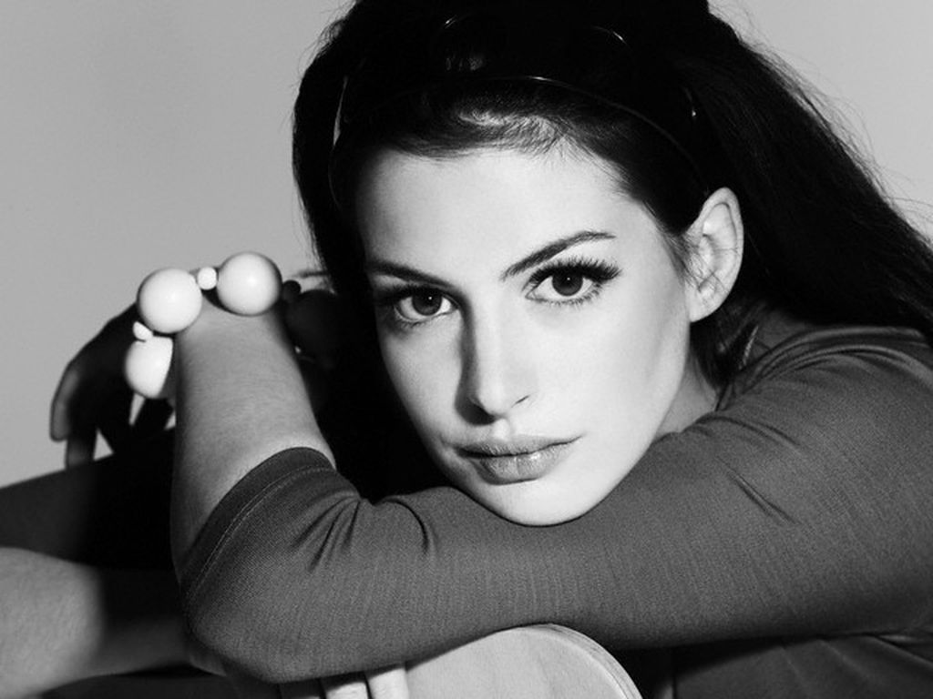 http://hochu.ua/pictures_ckfinder/images/ann_hathaway150113.jpg
